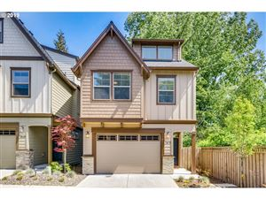 Photo of 7874 SW Capitol Hill RD, Portland, OR 97219 (MLS # 19424908)