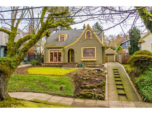 Photo of 6024 SE 36TH AVE, Portland, OR 97202 (MLS # 20618908)