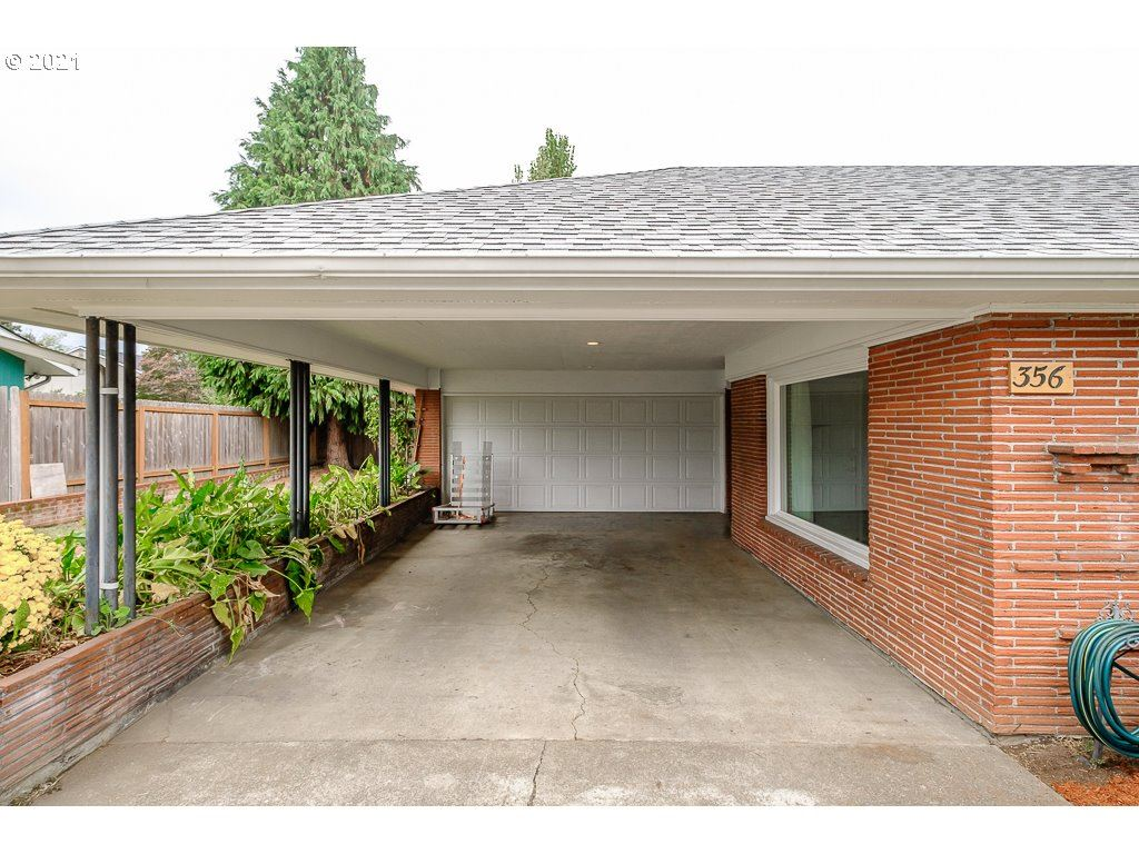 Photo of 356 NE 10TH AVE, Canby, OR 97013 (MLS # 21263909)