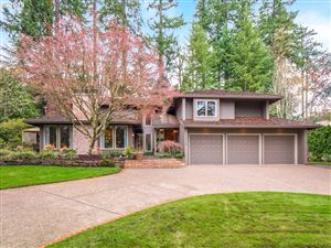 Photo of 12148 SW TRYON HILL RD, Portland, OR 97219 (MLS # 19056910)