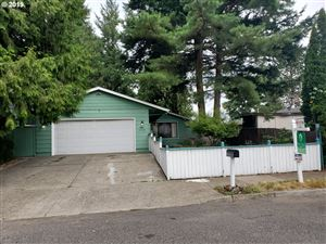 Photo of 13335 SE TAGGART ST, Portland, OR 97236 (MLS # 19640910)