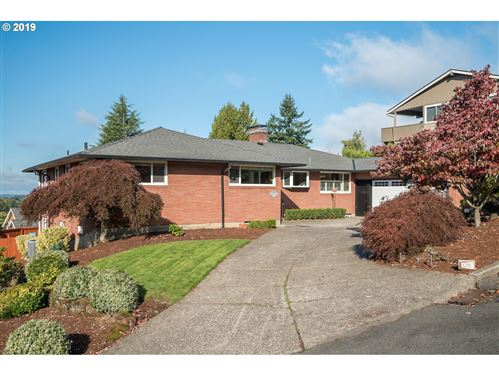 Photo of 6255 SW TOWER WAY, Portland, OR 97221 (MLS # 19245911)