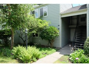 Photo of 5160 NW NEAKAHNIE AVE 33 #33, Portland, OR 97229 (MLS # 19649912)