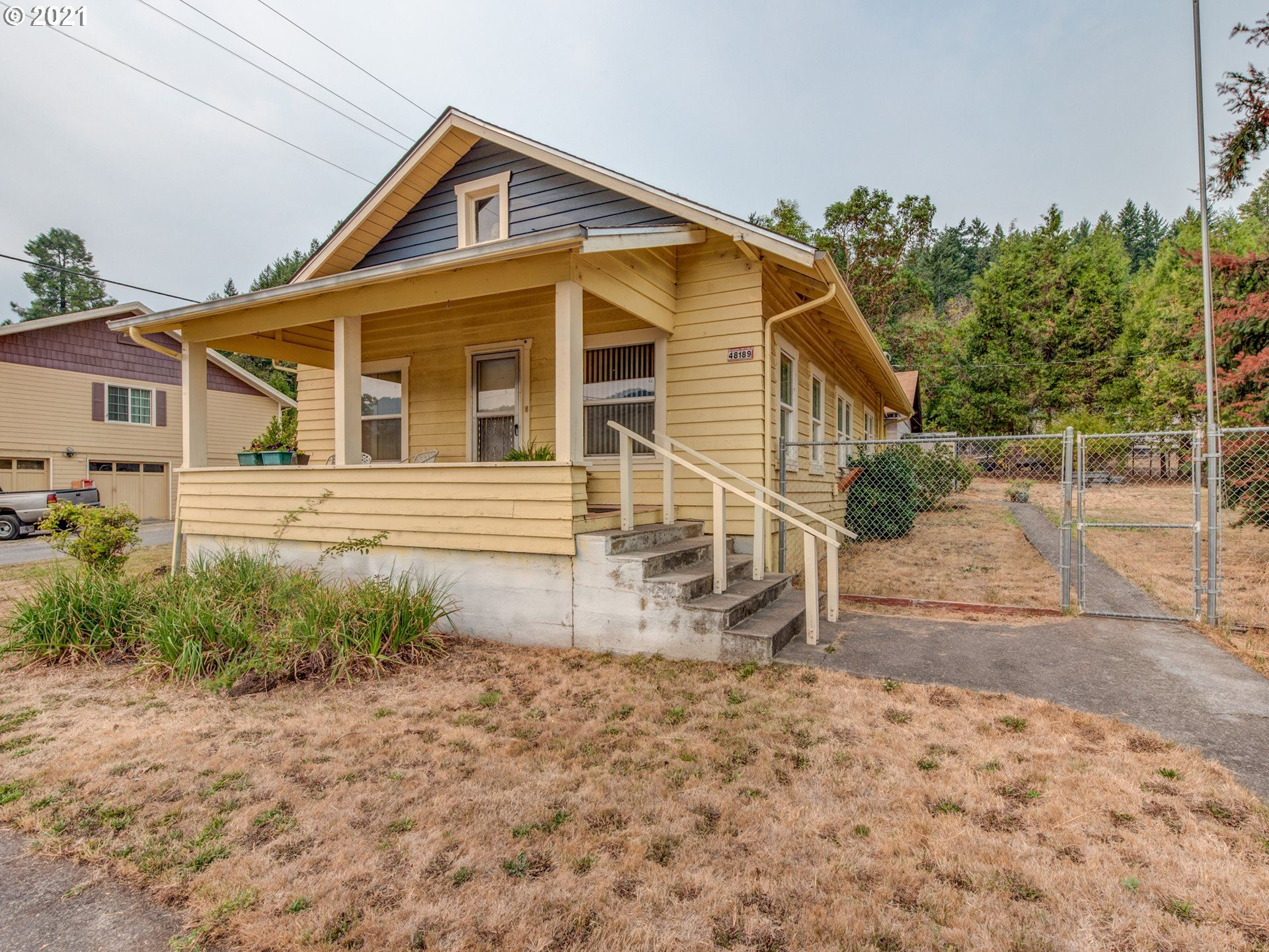 Photo for 48189 E 1ST ST, Oakridge, OR 97463 (MLS # 21094915)