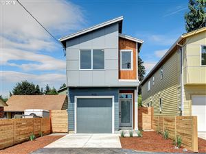 Photo of 9133 SE Oak ST, Portland, OR 97216 (MLS # 19150916)