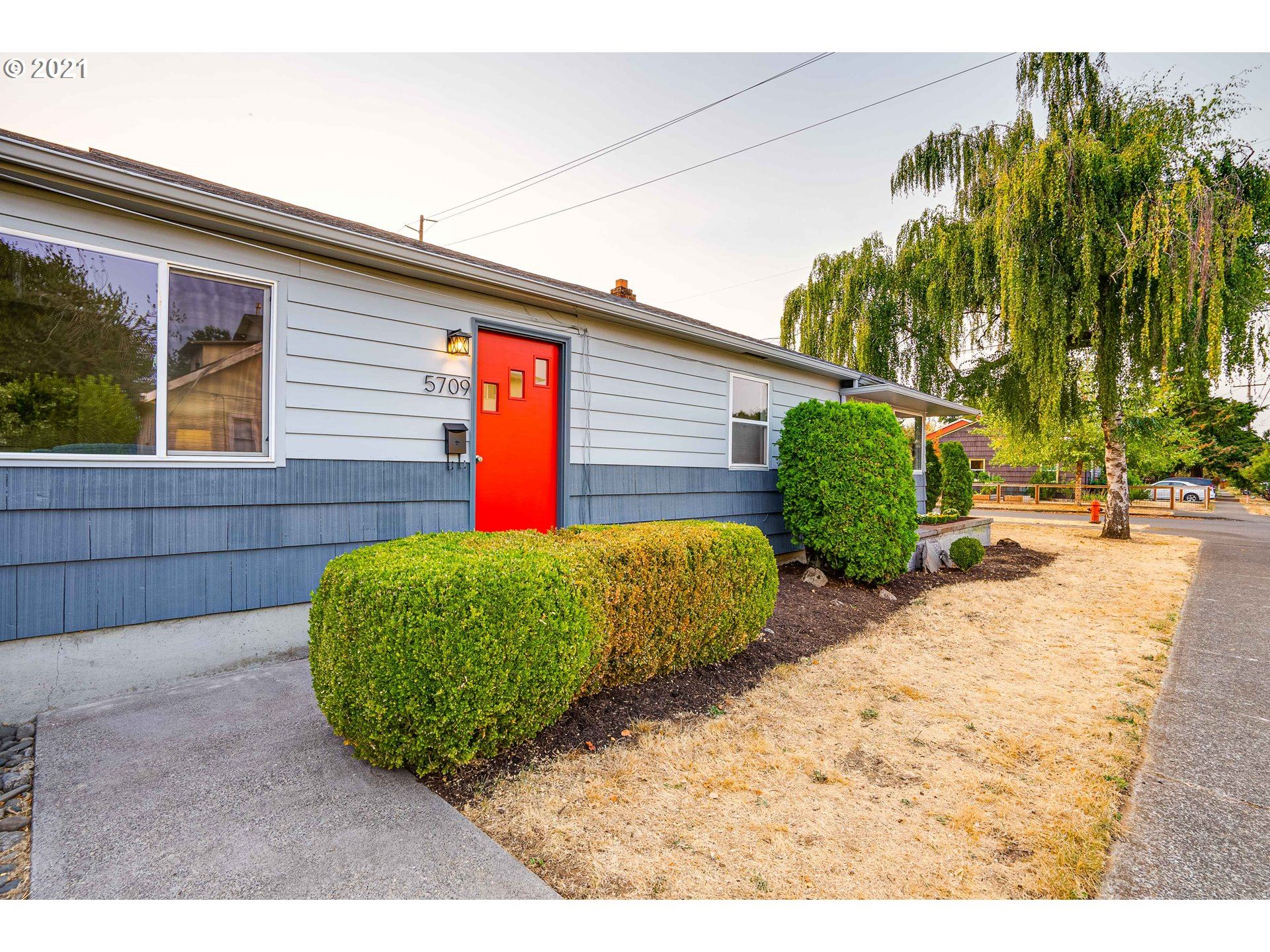 5709 SE 65TH AVE, Portland, OR 97206 - MLS#: 21483916