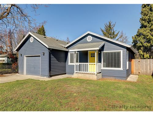 Photo of 6735 SE CLATSOP ST, Portland, OR 97206 (MLS # 20635917)
