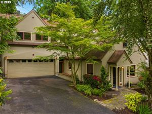 Photo of 3810 SW COMUS ST, Portland, OR 97219 (MLS # 18381918)