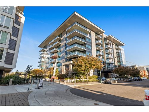 Photo of 1830 NW RIVERSCAPE ST #406, Portland, OR 97209 (MLS # 21092919)