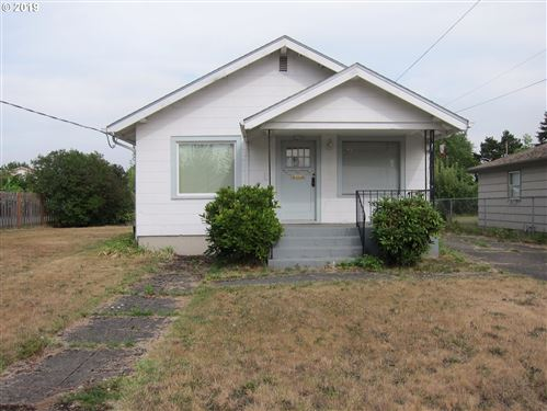 Photo of 4038 SE 76TH AVE, Portland, OR 97206 (MLS # 20123923)