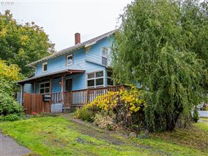 Photo of 10045 N MOHAWK AVE, Portland, OR 97203 (MLS # 19335924)
