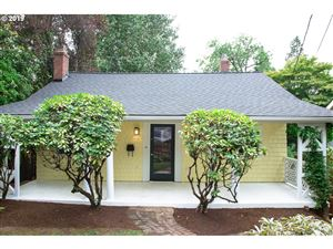 Photo of 2799 SW ROSWELL AVE, Portland, OR 97201 (MLS # 19404924)