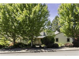 Photo of 6939 SW WINDEMERE LOOP, Portland, OR 97225 (MLS # 19636930)