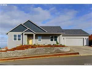 Photo of 578 NW Eagle Feather ST, Salem, OR 97304 (MLS # 18249931)