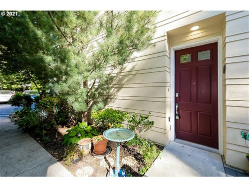 Photo of 8357 SW 24TH AVE, Portland, OR 97219 (MLS # 21529931)