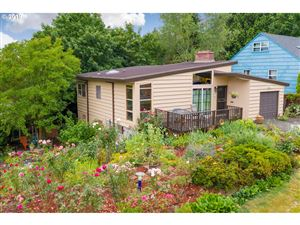Photo of 3411 NE 92ND AVE, Portland, OR 97220 (MLS # 19383932)