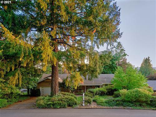 Photo of 3807 EDGEWOOD DR, Vancouver, WA 98661 (MLS # 21108933)