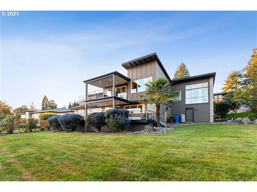 Photo of 15331 SE EVERGREEN HWY, Vancouver, WA 98683 (MLS # 21546936)