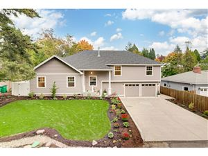 Photo of 7720 SW CAPITOL HILL RD, Portland, OR 97219 (MLS # 19108937)