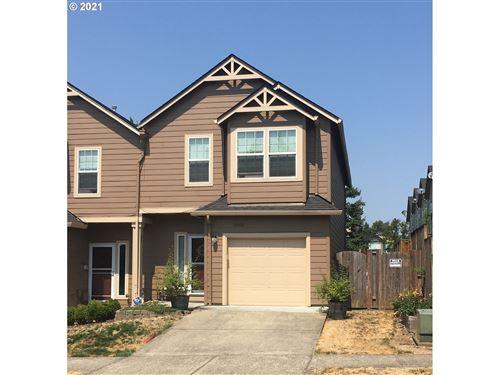 Photo of 5865 SE 17TH LOOP, Gresham, OR 97080 (MLS # 21474937)