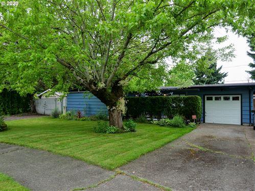 Photo of 13815 NE KNOTT ST, Portland, OR 97230 (MLS # 20276938)