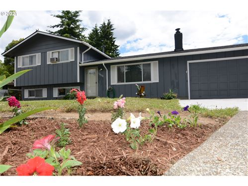 Tiny photo for 16430 SE LAFAYETTE ST, Portland, OR 97236 (MLS # 21069938)