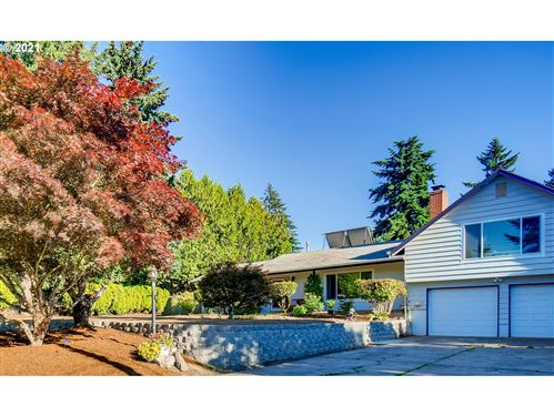Photo of 7500 SW CRESTVIEW ST, Tigard, OR 97223 (MLS # 21539940)