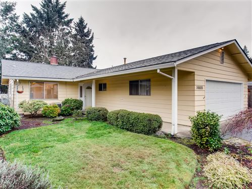 Photo of 16685 SW QUEEN ANNE AVE, King City, OR 97224 (MLS # 19625941)