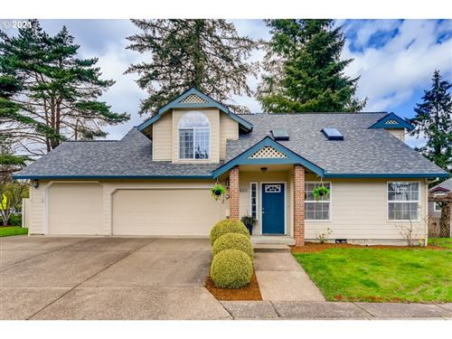 Photo of 625 NW BROOKVIEW CT, McMinnville, OR 97128 (MLS # 21433941)