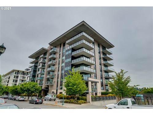 Photo of 1830 NW RIVERSCAPE ST #201, Portland, OR 97209 (MLS # 21442942)