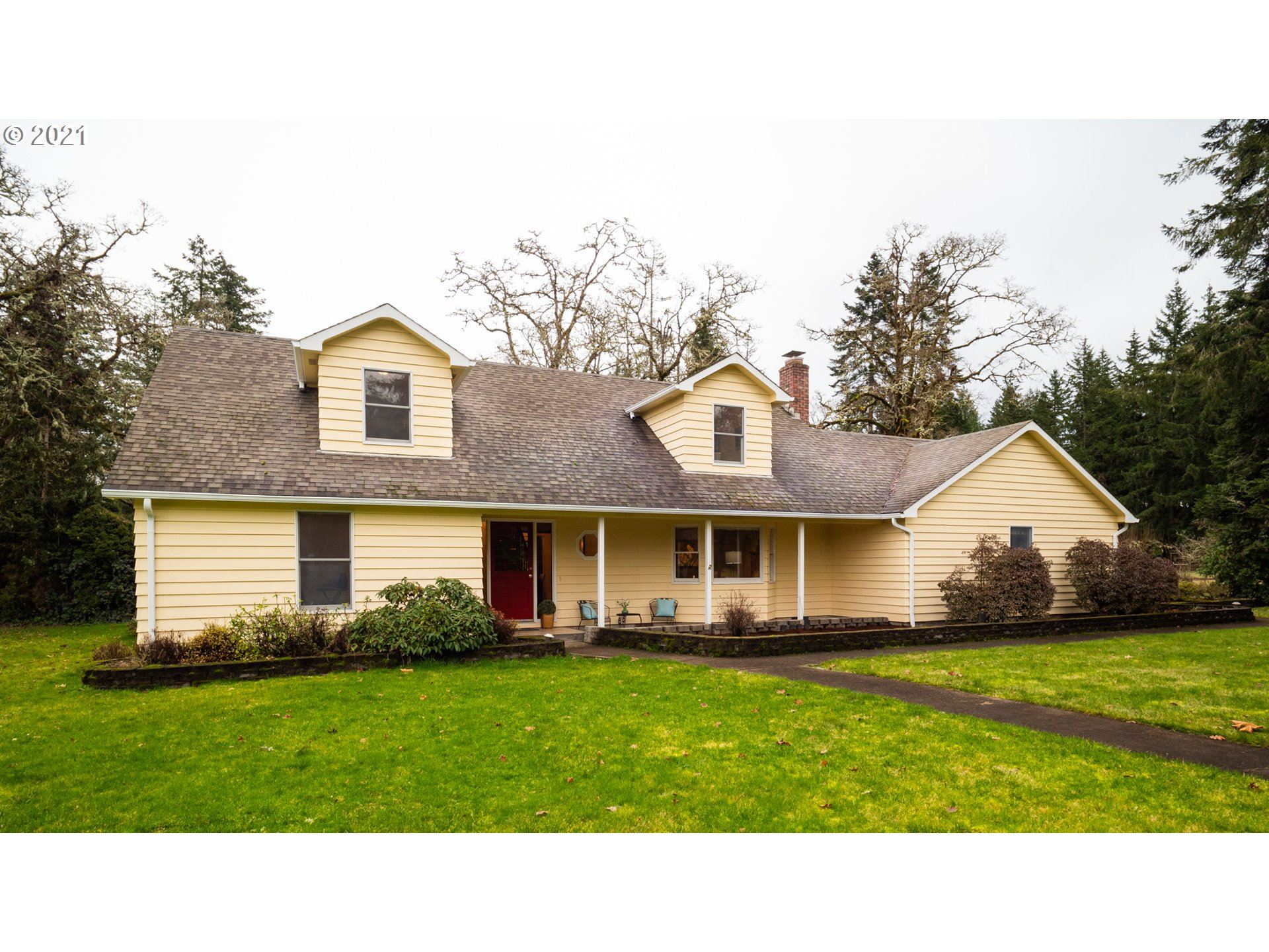 Photo for 84007 BROWN RD, Dexter, OR 97431 (MLS # 21217943)