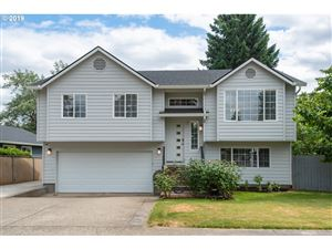 Photo of 13506 SE MAIN ST, Portland, OR 97233 (MLS # 19059944)