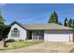 Photo of 4631 CALUMET WAY, Eugene, OR 97404 (MLS # 19534944)
