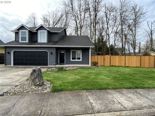 Photo of 1401 TASA CREEK DR, Creswell, OR 97426 (MLS # 20433944)