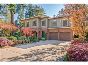 Photo of 3122 UPPER DR, Lake Oswego, OR 97035 (MLS # 19440949)