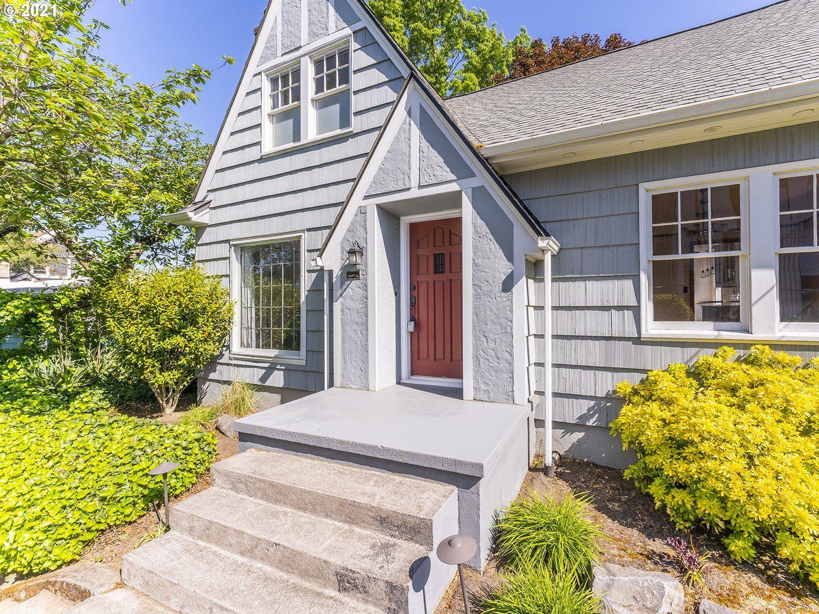 2525 N SUMNER ST, Portland, OR 97217 - MLS#: 21209949