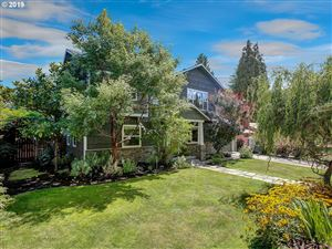 Photo of 6114 SW 50TH AVE, Portland, OR 97221 (MLS # 19592950)