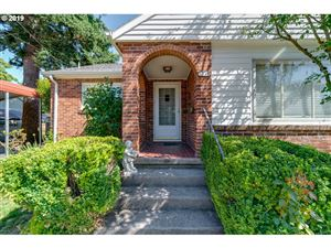 Photo of 5219 SE TOLMAN ST, Portland, OR 97206 (MLS # 19597952)