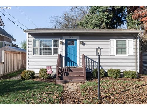 Photo of 9465 N POLK AVE, Portland, OR 97203 (MLS # 19196954)