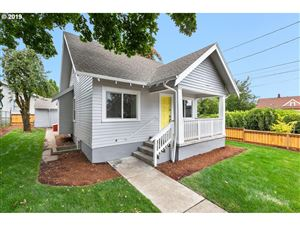 Photo of 7117 N FISKE AVE, Portland, OR 97203 (MLS # 19537954)