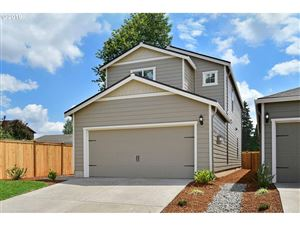 Photo of 1015 South View DR, Molalla, OR 97038 (MLS # 19576954)