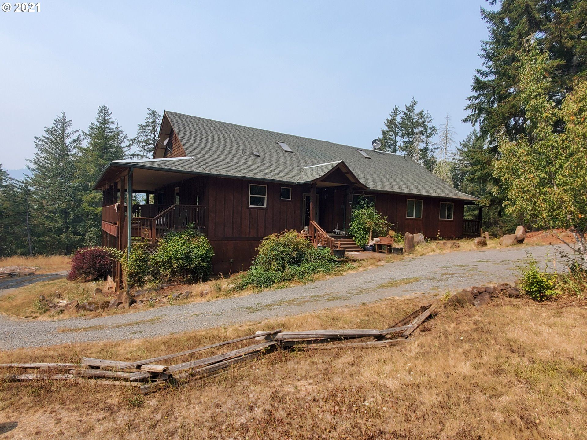Photo for 39360 EAGLES REST RD, Dexter, OR 97431 (MLS # 21274954)