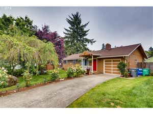 Photo of 6418 SE 138TH PL, Portland, OR 97236 (MLS # 19454959)