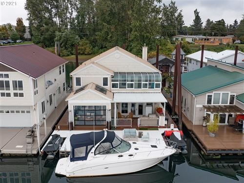 Photo of 2630 N Hayden Island DR #5, Portland, OR 97217 (MLS # 21373960)