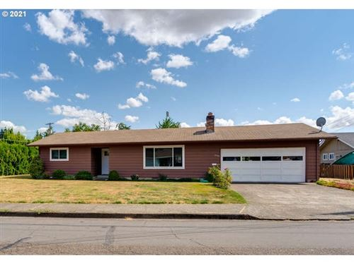 Photo of 1050 NE 18TH ST, McMinnville, OR 97128 (MLS # 21585961)