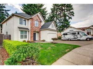 Photo of 14612 SE BRIGHTWOOD AVE, Milwaukie, OR 97267 (MLS # 19014962)