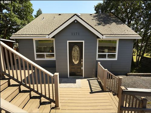 Photo of 1171 PLYMOUTH ST, St. Helens, OR 97051 (MLS # 21511964)