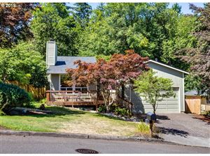 Photo of 6511 SW FLORENCE LN, Portland, OR 97223 (MLS # 19121965)
