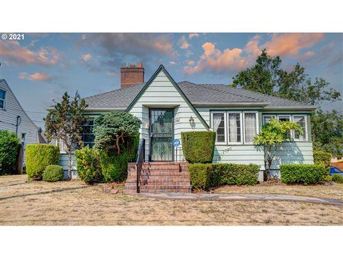 Photo of 5735 NE 33RD AVE, Portland, OR 97211 (MLS # 21582968)