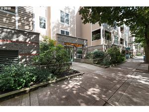 Photo of 0205 SW MONTGOMERY ST 305, Portland, OR 97201 (MLS # 18512970)